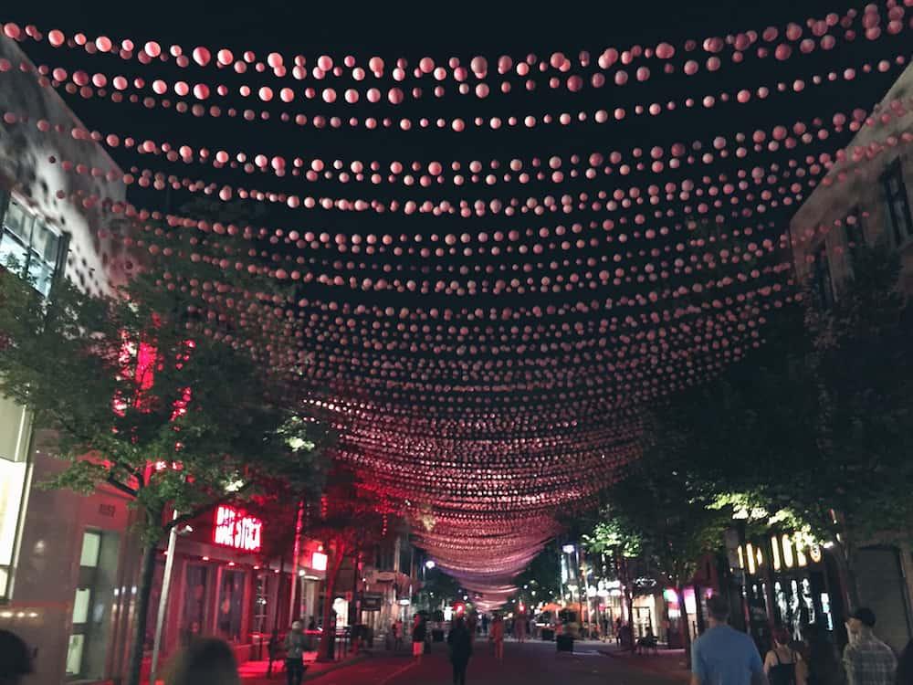 Rue St Catherine Montreal
