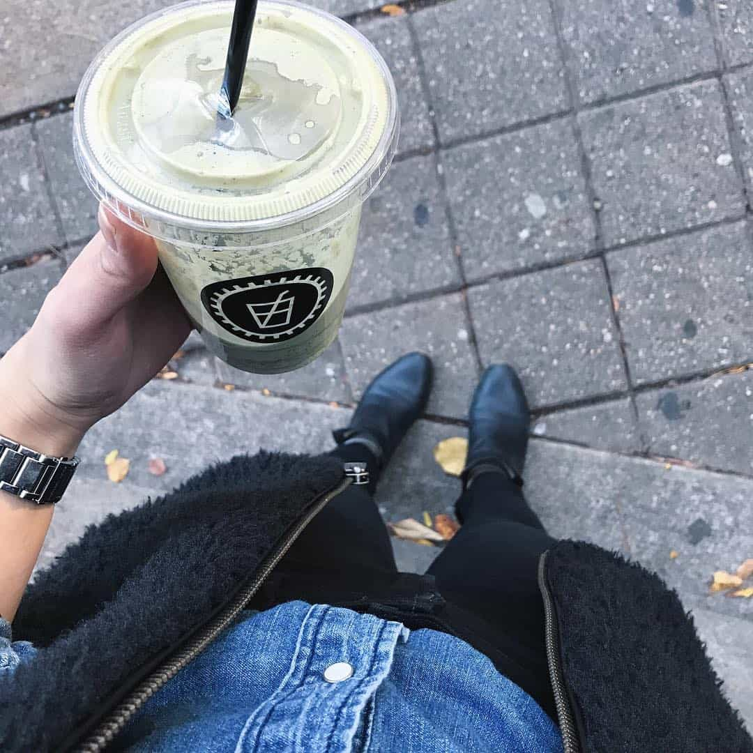 A #fromwhereistand Instagram photo gives your audience a peek of your outfit without anyone having to take the photo for you.