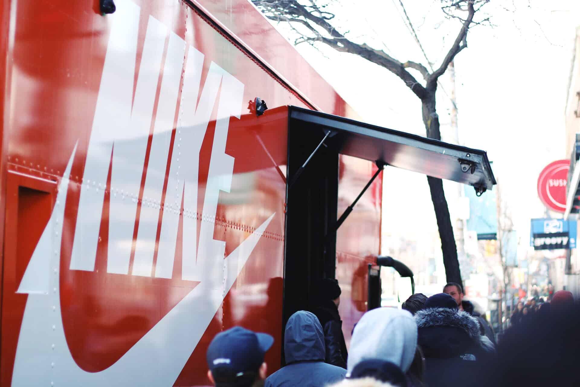Nike Air Max Bus