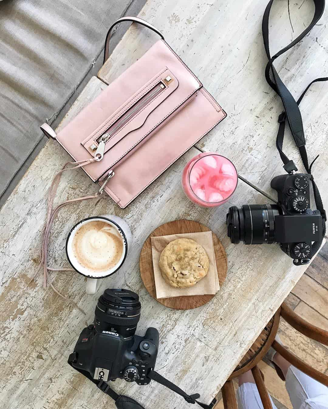 Flat lays are popular all over Instagram because they're so aesthetically-pleasing. Here are tips on how to take better flat lay photography!