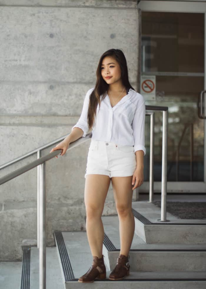 White on white summer outfit | summer to fall transitional look