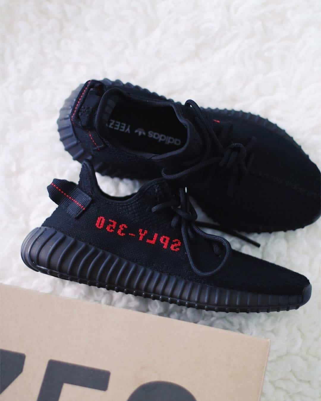 Adidas Yeezy Boost 350 v2 Bred Sneakers