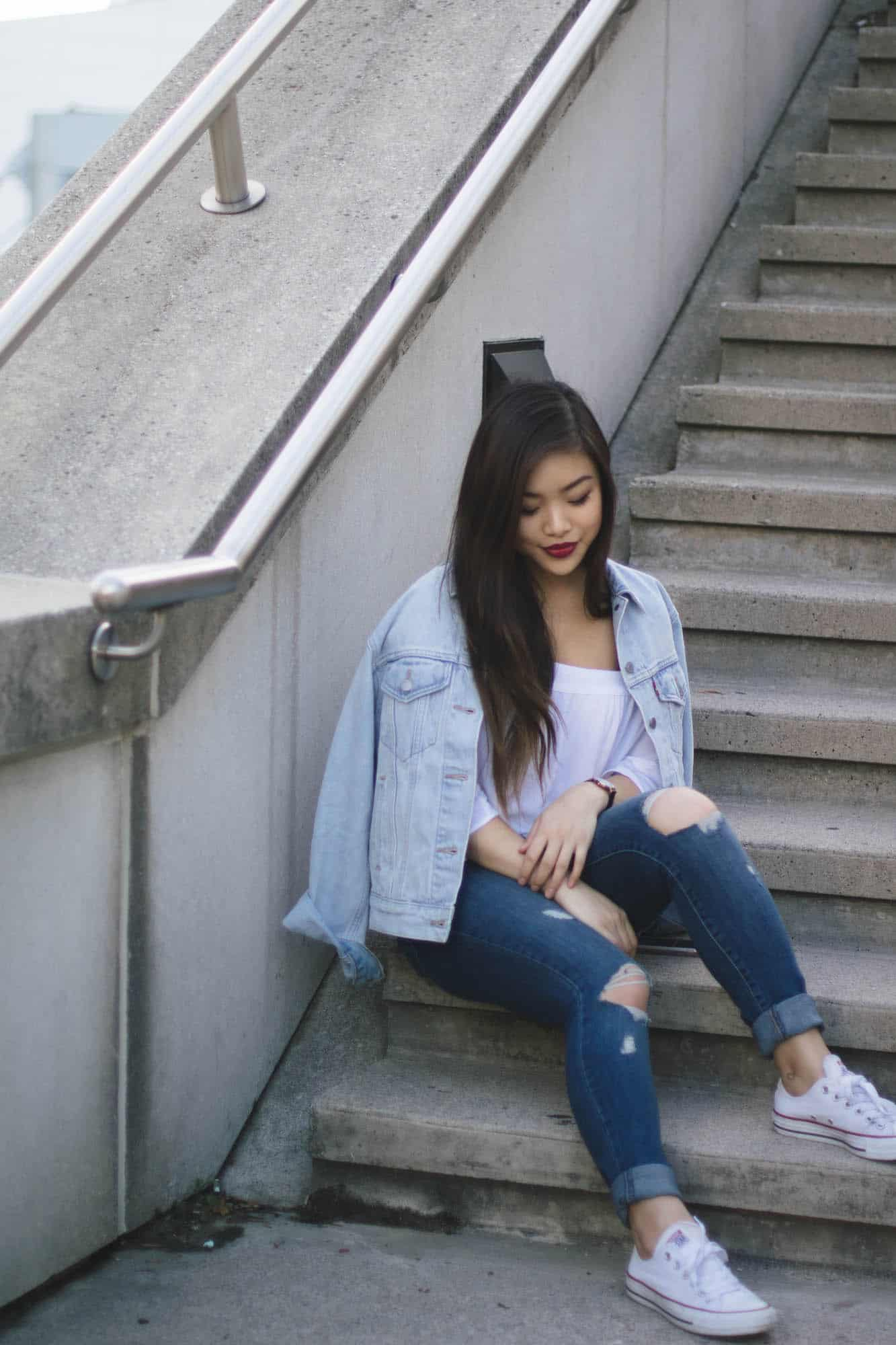 How to wear a denim on denim outfit