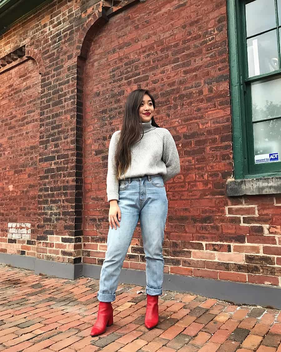 Fall outfit in the Distillery District, Toronto