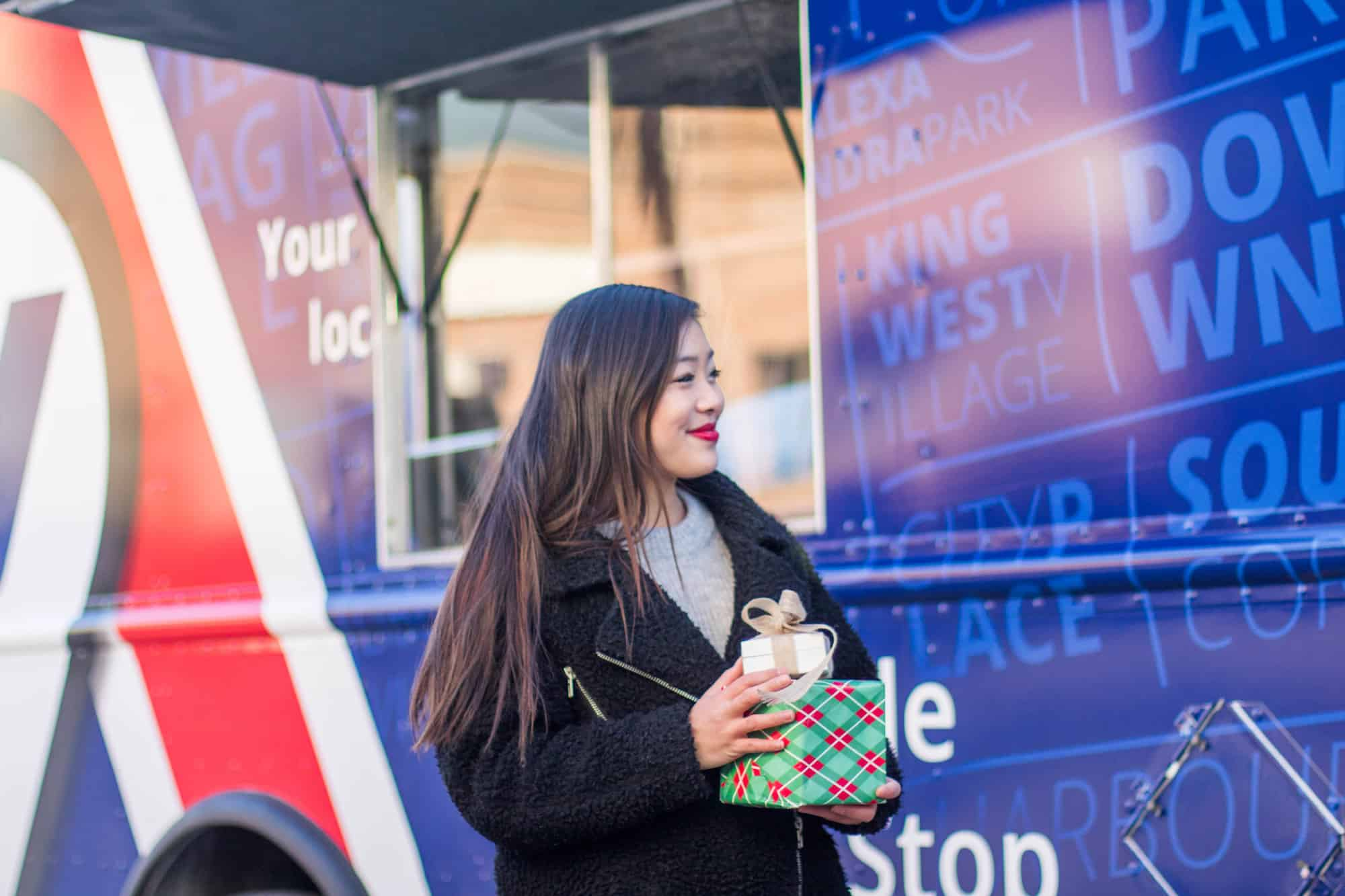 Purolator Canada | Mobile Quick Stop Truck | how to save time this holiday season in Toronto | how Torontonians can save time during the holidays