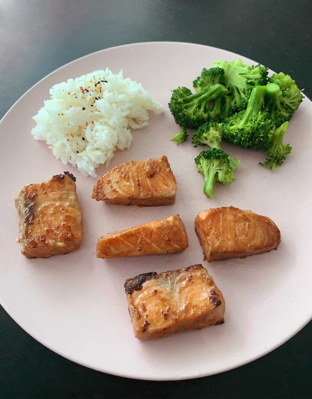 Homemade Asian salmon is an easy lunch idea to make at home!